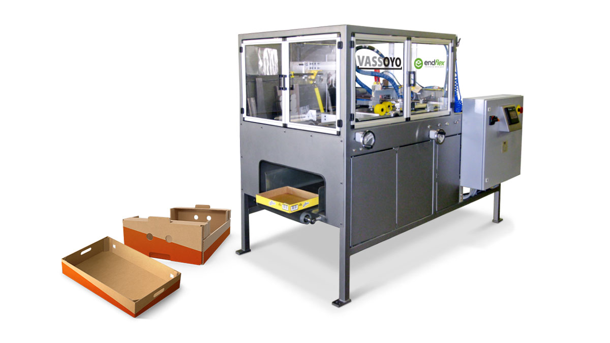 Tray forming machine for wrapped cases